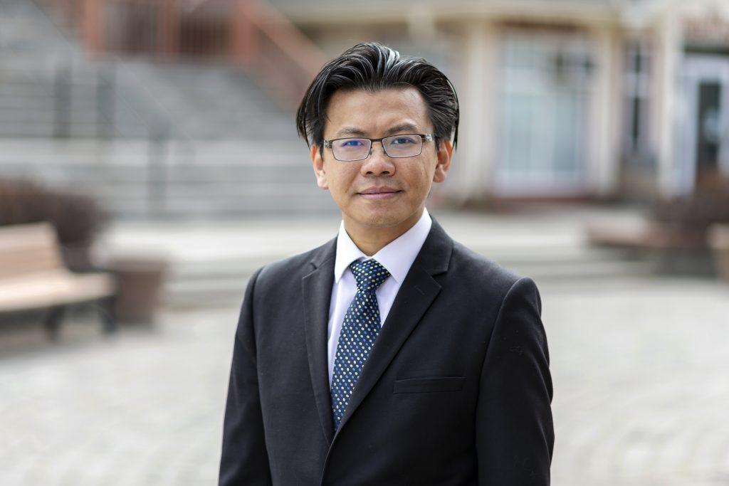 Charles CheungAccountant